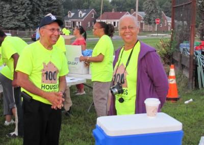 100 Houses Volunteers Clean Up Detroit Neighborhood 1