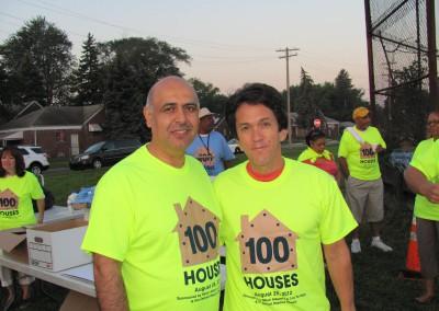 100 Houses Volunteers Clean Up Detroit Neighborhood 15