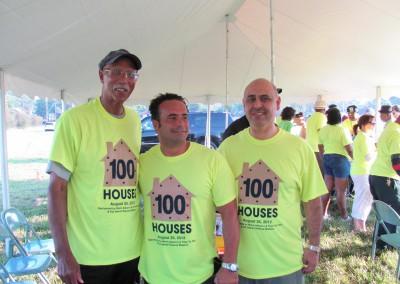 100 Houses Volunteers Clean Up Detroit Neighborhood 20