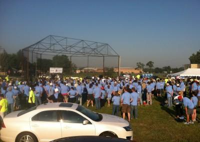 100 Houses Volunteers Clean Up Detroit Neighborhood 21
