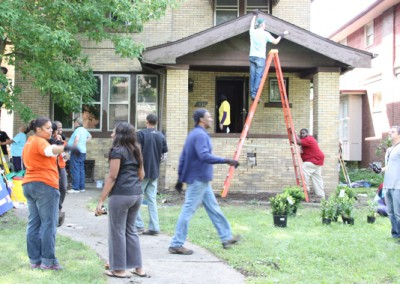 Working Mom Gets Help Sprucing Up New Home 11