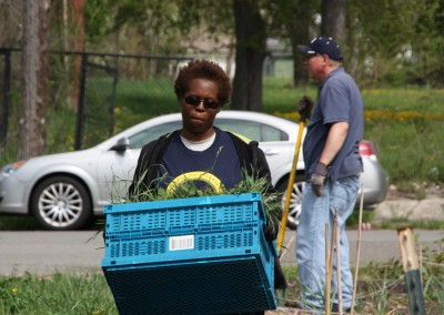 Fresh Produce For A Neighborhood In Need 15