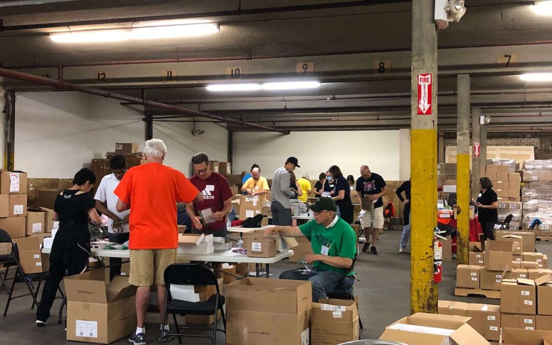 A Time to Help Volunteers Bring Christmas in July