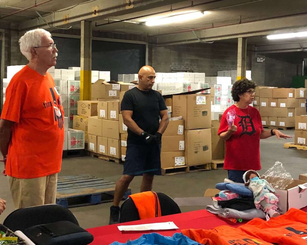 A Time to Help Volunteers Bring Christmas in July 2