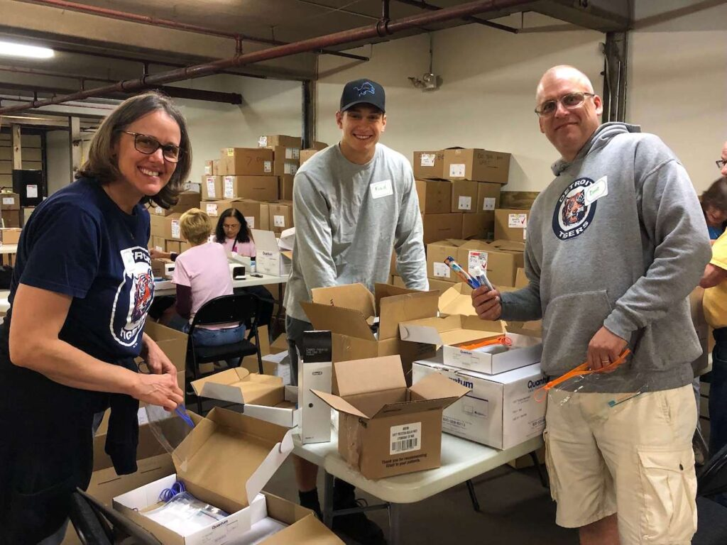 A Time to Help Volunteers Bring Christmas in July 7