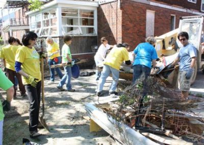 A Time to Help Joins Habitat for Humanity to Clean Up Morningside Commons 2
