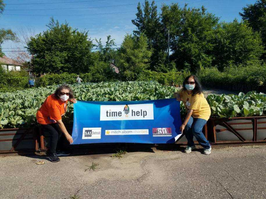 Group Gardening at Big Glen Brings 'A Time to Help' Together Again 10