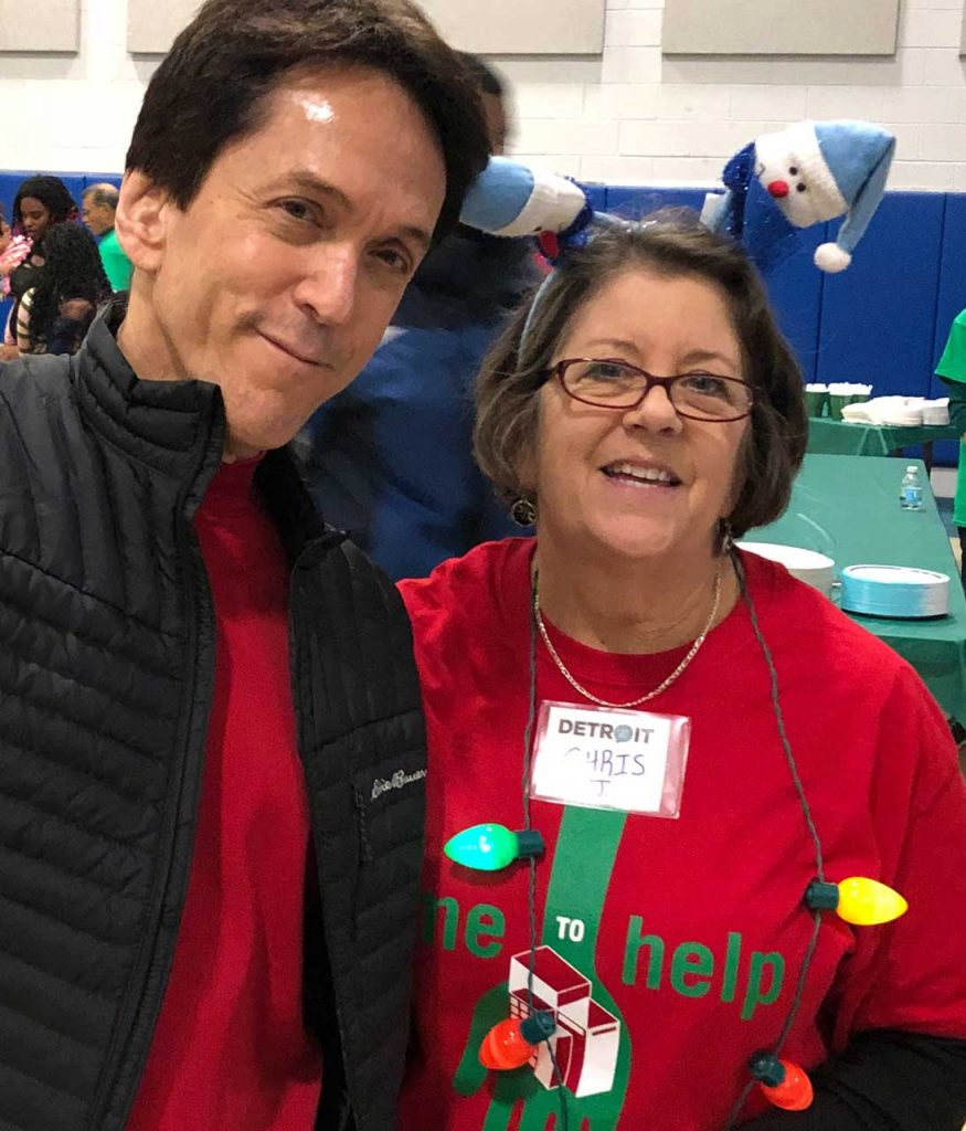 Volunteers ring in the holidays at Salvation Army Harbor Light 29