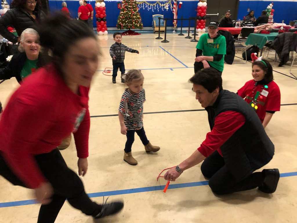 Volunteers ring in the holidays at Salvation Army Harbor Light 17