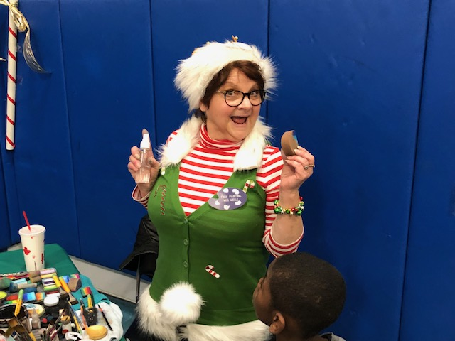 Volunteers ring in the holidays at Salvation Army Harbor Light 42