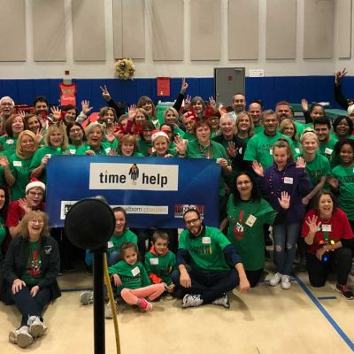 Volunteers ring in the holidays at Salvation Army Harbor Light